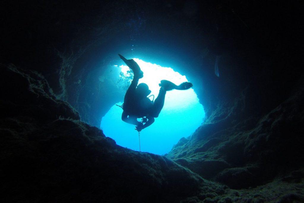 Nurkowanie na Palau w miejscu zwanym BlueHole